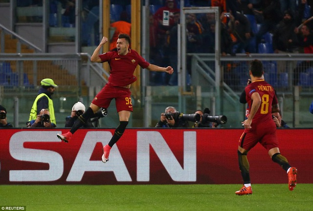 El Shaarawy ăn mừng sau khi mở tỉ số ở phút đầu tiên