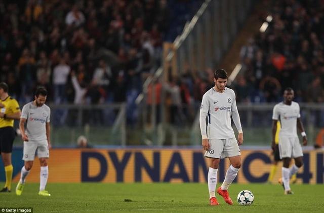 Sự thất vọng của cầu thủ Chelsea sau khi để thua bàn thứ hai