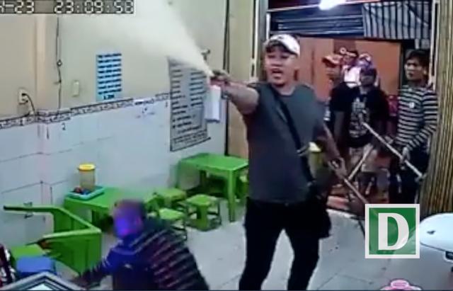 Đã xác định lai lịch nhóm thanh niên đập phá quán kem ở trung tâm Sài Gòn - 1