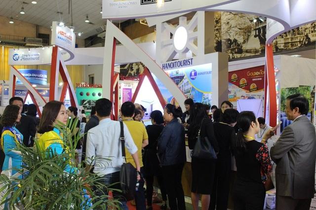 """Với chủ đề """"Hà Nội – điểm đến của du lịch Việt Nam"""", hình ảnh Hà Nội được lấy làm trung tâm để quảng bá tại hội chợ với nhiều điểm đến và sản phẩm du lịch độc đáo, ấn tượng."""