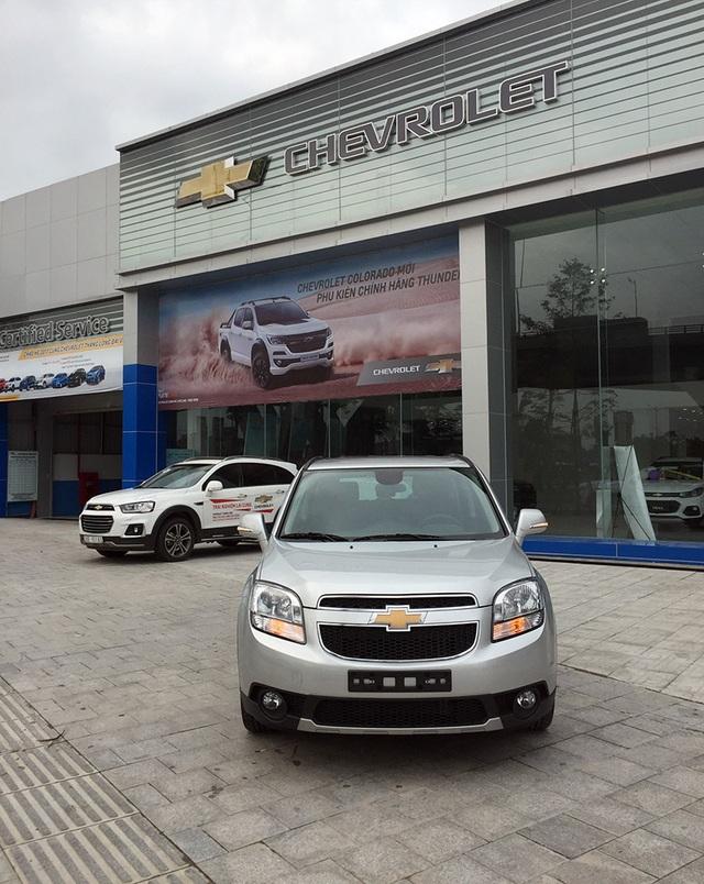 GM Việt Nam âm thầm ra Chevrolet Orlando MT, giá bán 639 triệu đồng - 1