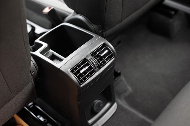 GM Việt Nam âm thầm ra Chevrolet Orlando MT, giá bán 639 triệu đồng - 4