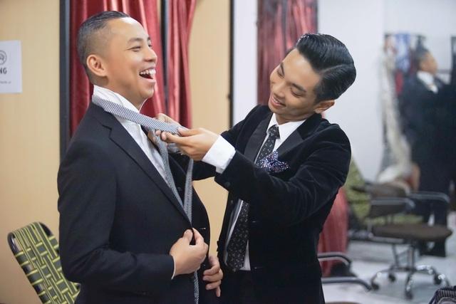 Chí Anh và Phan Hiển vui vẻ, thân thiết với nhau cũng khiến nhiều người bất ngờ