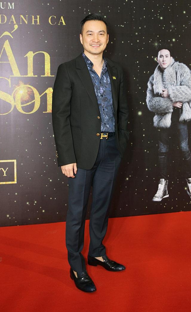 Nam diễn viên Chi Bảo bảnh bao với vest lịch lãm