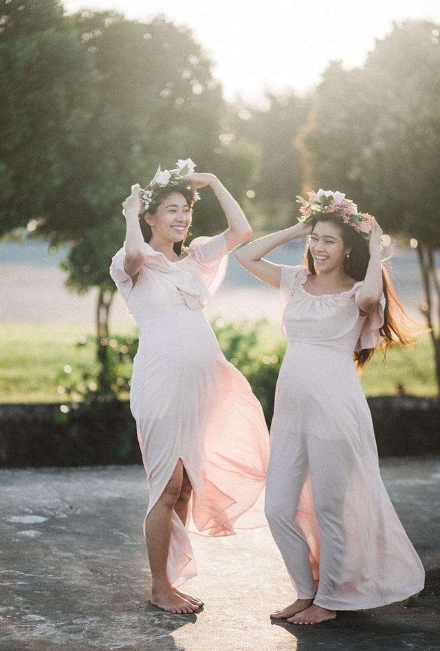 Hai chị em ruột chia sẻ niềm hạnh phúc khi cùng mang thai - 8