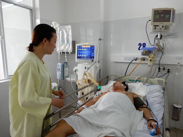 Bệnh nặng nên chi phí điều tra đã hết cả trăm triệu đồng, trong khi hoàn cảnh gia đình Phương thuộc diện khó khăn