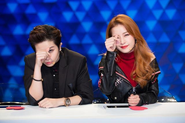 Mới đây, Chi Pu, Gil Lê xuất hiện trên sóng truyền hình trong một gameshow. Vừa xuất hiện, cả hai đã khiến khán đài nổ tung bởi màn tạo dáng ngầu và sự năng động, trẻ trung.