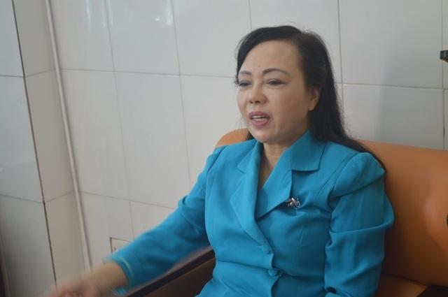 Mặc dù cơ sở phòng khám sai phạm nhưng Bộ trưởng Nguyễn Thị Kim Tiến vẫn kiên trì giải thích. Theo quan điểm của người đứng đầu ngành y tế: Nếu hệ thống phòng khám tư chuẩn chỉnh và hoạt động tốt thì sẽ giảm tải rất nhiều cho bệnh viện công.