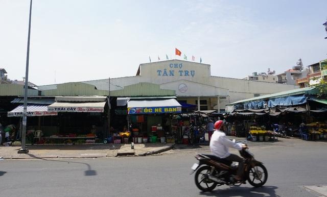 Chợ Tân Trụ (phường 15, quận Tân Bình) thông thoáng hơn sau khi lập lại trật tự vỉa hè