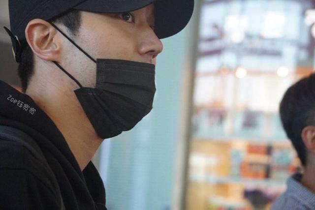 """""""Rừng"""" fan Đà Nẵng vỡ òa hạnh phúc khi thần tượng Choi Siwon xuất hiện - 2"""
