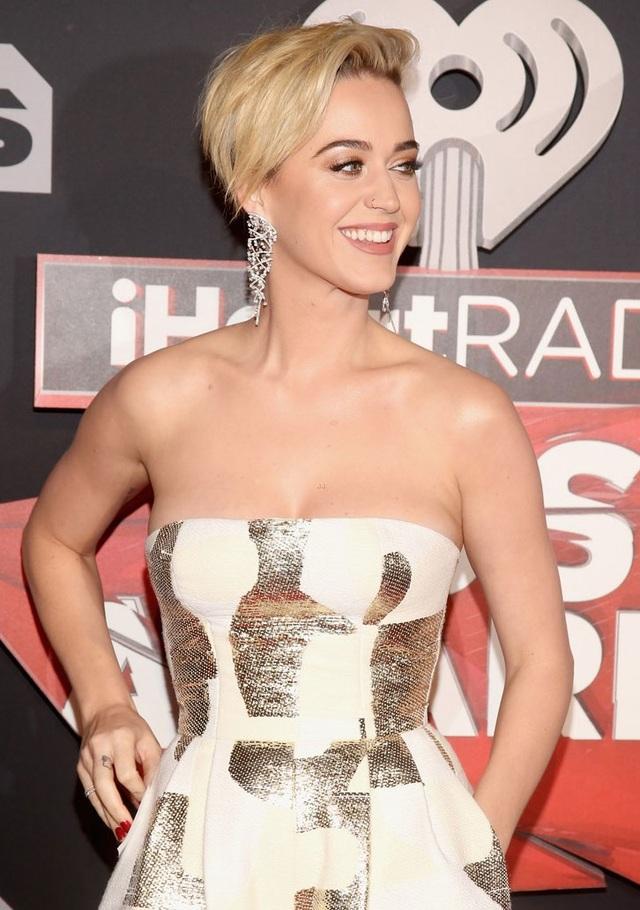 Lễ trao giải còn có sự tham gia của nữ ca sĩ Katy Perry.