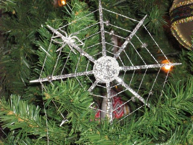 """Những phong tục đón lễ Giáng sinh """"siêu kỳ quặc"""" khắp năm châu - 5"""