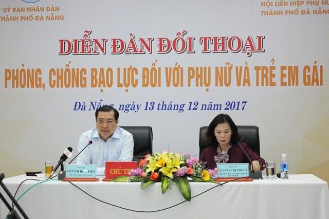 Chủ tịch UBND TP Đà Nẵng Huỳnh Đức Thơ chủ trì buổi đối thoại với phụ nữ và trẻ em gái về phòng, chống bạo lực