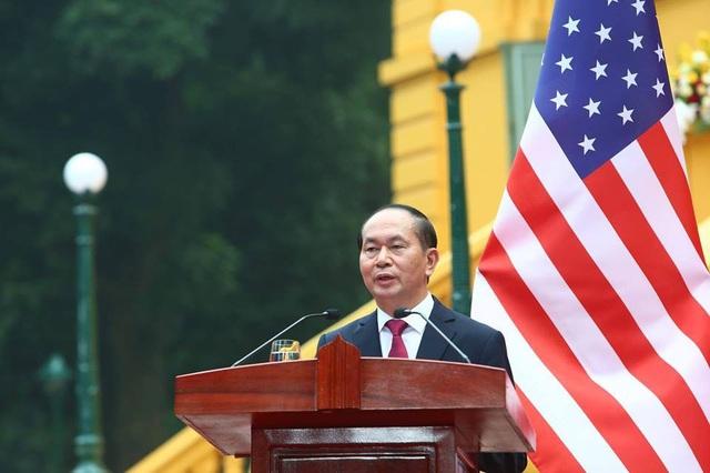 Chủ tịch nước trao đổi, về vấn đề Biển Đông, Về vấn đề Biển Đông, phía Mỹ và Việt Nam cùng chia sẻ quan điểm giải quyết tranh chấp thông qua đàm phán hòa bình, bằng các biện pháp ngoại giao và pháp lý, trên cơ sở tôn trọng luật pháp quốc tế.