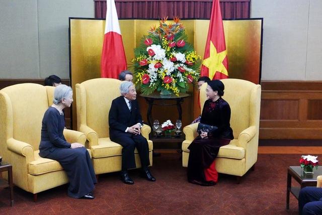 Nhật hoàng hội kiến với Chủ tịch Quốc hội Nguyễn Thị Kim Ngân.