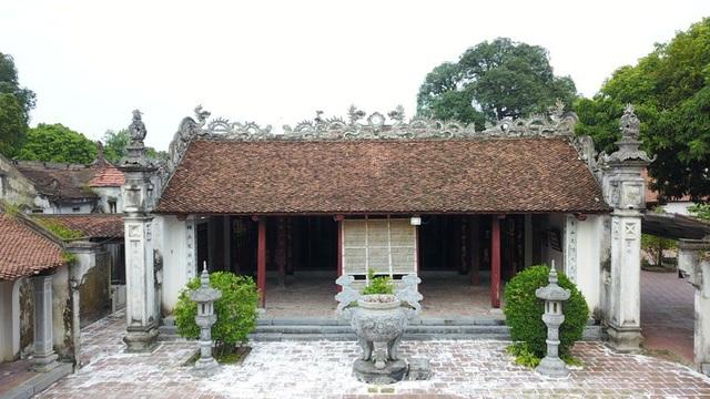 Khuôn viên chùa là một tổng thể bao gồm nhiều công trình kiến trúc nghệ thuật với gần 40 gian nhà lớn nhỏ.