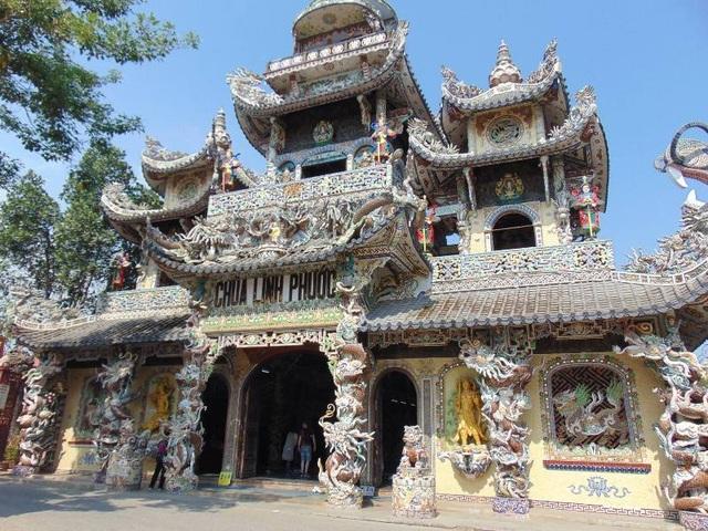 Chùa Linh Phước - ngôi chùa giữ 11 kỉ lục Việt Nam | Báo Dân trí