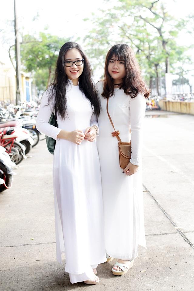 Nữ sinh trường Bưởi mộc mạc, trong trẻo khi diện tà áo dài trắng