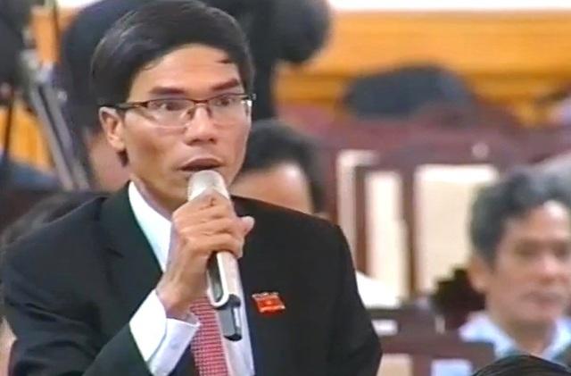 Đại biểu Nguyễn Văn Thạnh chất vấn Giám đốc Sở Văn hóa & Thể thao tỉnh Thừa Thiên Huế