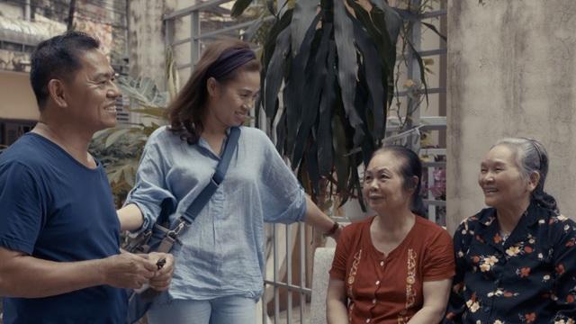 Một người hàng xóm của cố nhạc sĩ Trần Lập đã chia sẻ về hoàn cảnh ra đời của ca khúc Bông hồng thủy tinh là một trong những chi tiết thú vị của tập phim này.