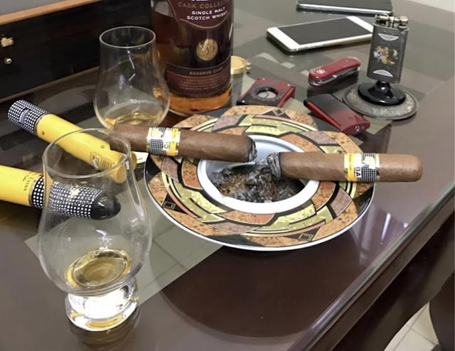 Những điếu Cigar Cuba dường như đã không thể thiếu trên bàn tiệc cuối năm của dân chơi