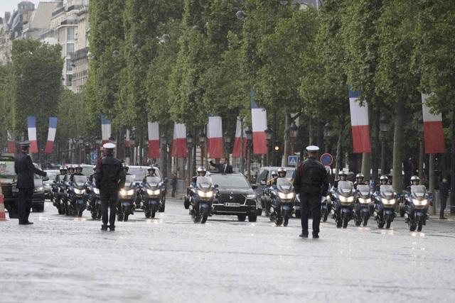 Tân tổng thống Pháp dùng xe gì trong lễ nhậm chức? - 3