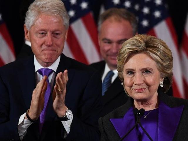 Cựu Tổng thống Bill Clinton và phu nhân Hillary Clinton (Ảnh: Reuters)