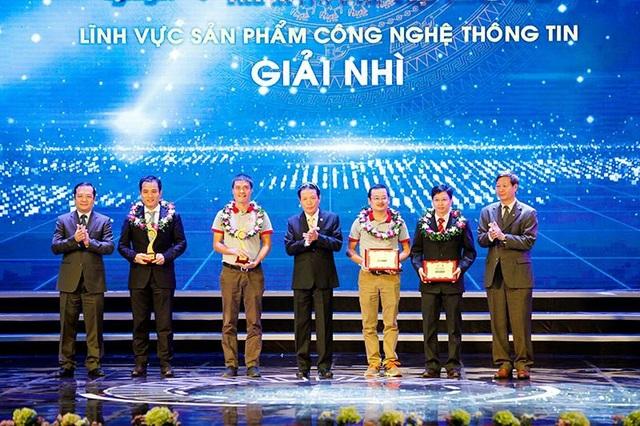 Giải Nhì được trao cho DoIT tối 16/11 (ảnh: Việt Hưng)