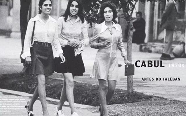 Bức ảnh các cô gái Afghanistan mặc váy ngắn bước thảnh thơi trên đường phố Kabul những năm 1970. (Ảnh: Twitter)