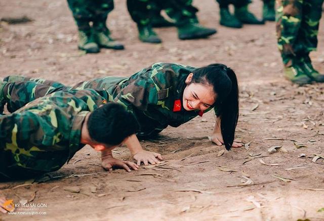 Cô giáo trẻ ưa hoạt động thể chất