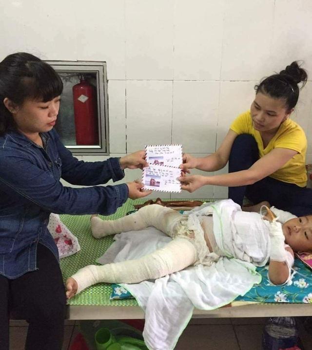 Thông qua Facebook, Zalo của Cô Lê đã kêu gọi được nhiều nhà hảo tâm, cá nhân kịp thời cháu Lô Hà An bị bỏng nặng tại bệnh viện Bỏng Hà Nội.