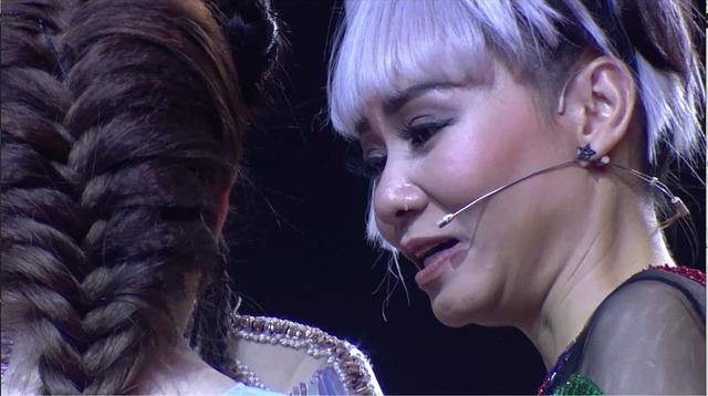 Thu Minh rơi nước mắt vì câu chuyện cảm động của Ngọc Ny.