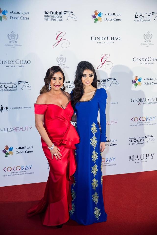 Coco Trần đồng hành cùng người bạn thân thiết, Chủ tịch Qũy Global Gift, bà Maria Bravo.