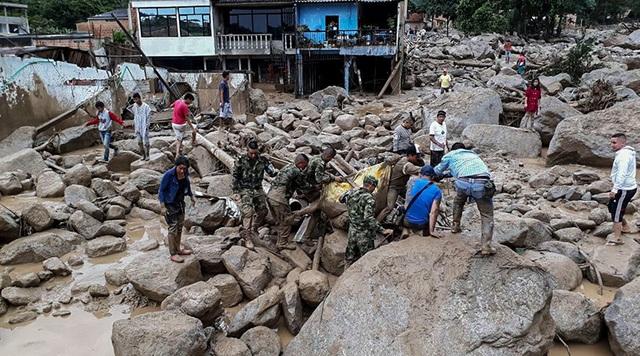 Hiện tượng lở đất không phải là hiếm gặp ở Colombia, đất nước thường xuyên gặp mưa lớn trong điều kiện địa hình đồi núi với nhiều ngôi nhà được xây dựng tạm bợ. Tuy nhiên, quy mô của trận lở đất lần này ở Mocoa được đánh giá là thảm họa. (Ảnh: AFP)