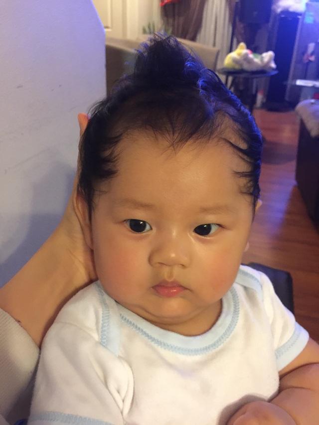Chỉ mới 3 tháng tháng tuổi nhưng Eric Ngô rất kháu khỉnh và đáng yêu.