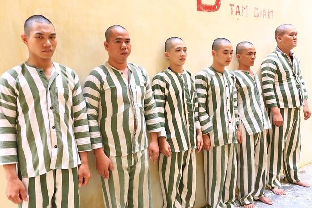 Nhóm côn đồ bắt giữ người trái pháp luật đòi tiền chuộc bị tạm giữ tại cơ quan Công an.