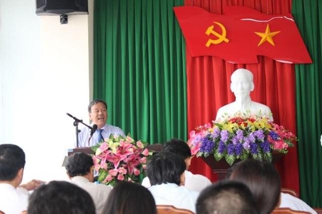 Ông Lê Hữu Minh, Phó Giám đốc phụ trách Sở Du lịch tỉnh Thừa Thiên Huế công bố các sản phẩm du lịch đầm phá ở huyện Quảng Điền