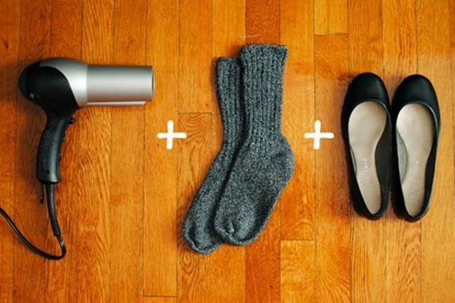 Mẹo vặt hữu hiệu để làm rộng giày.