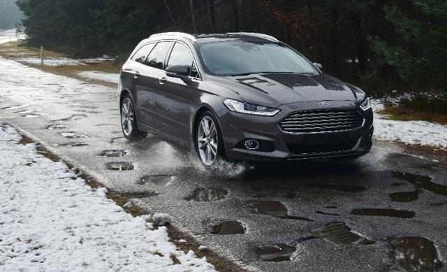 Ford phát triển hệ thống cảnh báo ổ gà trên đường - 1
