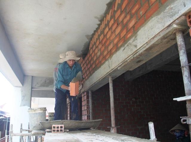 """Bình Định: Bị """"tuýt còi"""", doanh nghiệp vẫn xây dựng công trình không phép - 5"""