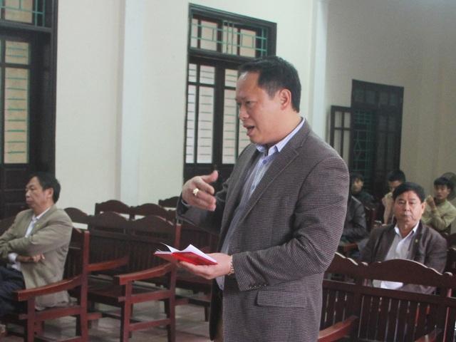 Ông Nguyễn Anh Ngọc – Giám đốc Công ty Anh Đức, đại diện cho liên danh nhà thầu Anh Đức – Sao Mai tranh luận tại phiên tòa.