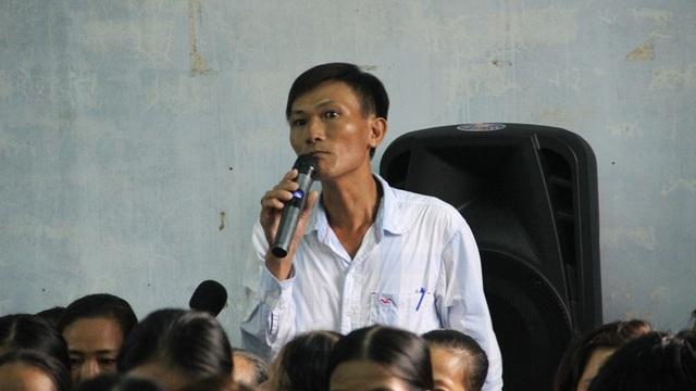 Nhiều người dân phản đối việc xả thải của công ty dệt nhuộm