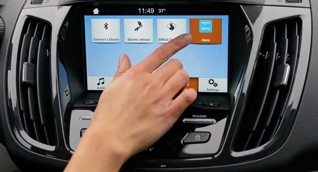 Nguy cơ rò rỉ thông tin cá nhân khi kết nối điện thoại với xe đi thuê - 1