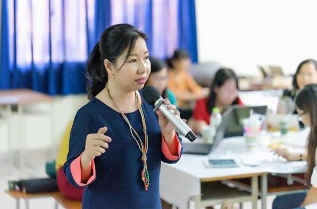 Cô Tô Thụy Diễm Quyên - chuyên viên phụ trách Chương trình Giáo dục (Trung tâm Thông tin và Chương trình Giáo dục thuộc Sở GD-ĐT TPHCM).