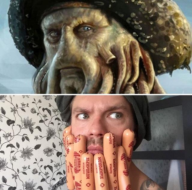 """thuyền trưởng bạch tuộc Davy Jones trong seri phim """"Cướp biển vùng Caribbean"""" cũng được Alexander Kravets làm nhái theo phong cách cực kỳ hài hước với xúc tu bằng xúc xích."""