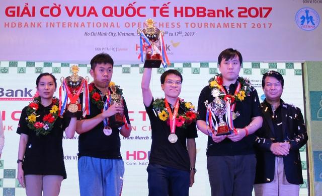 Lê Quang Liêm vượt lên trên nhiều cao thủ để vô địch HDBank Cup 2017 là hiện thân cho sự vươn mình của trí tuệ Việt