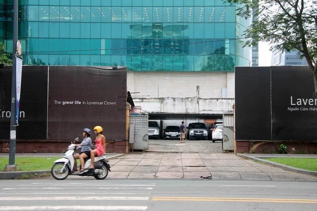 Khu đất vàng có diện tích gần 5.000m2 nằm tại số 8 - 12 Lê Duẩn, P.Bến Nghé, quận 1 (ngay góc ngã tư Lê Duẩn - Hai Bà Trưng) cũng được doanh nghiệp đầu tư xây dựng cao ốc. Dự án có tên Lavenue Crown khởi công từ năm 2015 với kỳ vọng sẽ là một khu phức hợp đỉnh gồm khách sạn 5 sao, căn hộ hạng sang và trung tâm thương mại.