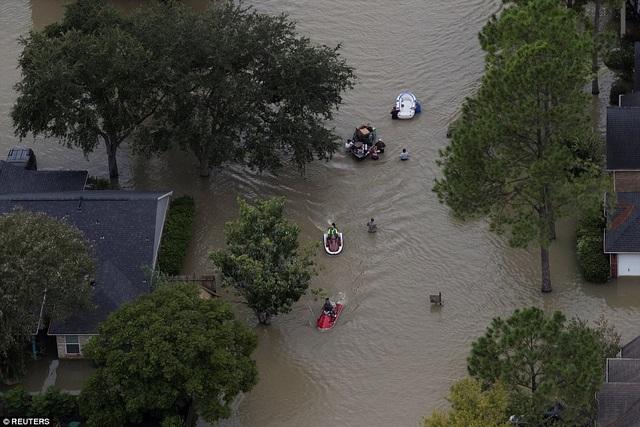 Lũ lụt nghiêm trọng tại thành phố Houston, bang Texas (Ảnh: Reuters)