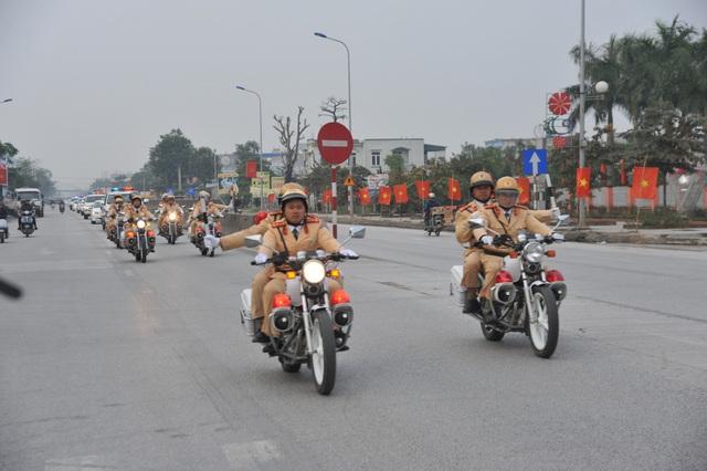 Lực lượng Cảnh sát giao thông làm nhiệm vụ đảm bảo trật tự ATGT