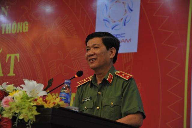 Thứ trưởng Nguyễn Văn Sơn yêu cầu lực lượng CSGT rà soát tất cả các phương án bảo đảm trật tự an toàn giao thông, không để xảy ra bất kỳ sai sót nào